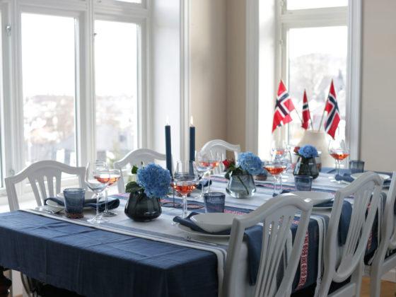 17. mai-bord inspirert av bunad og norsk husflid